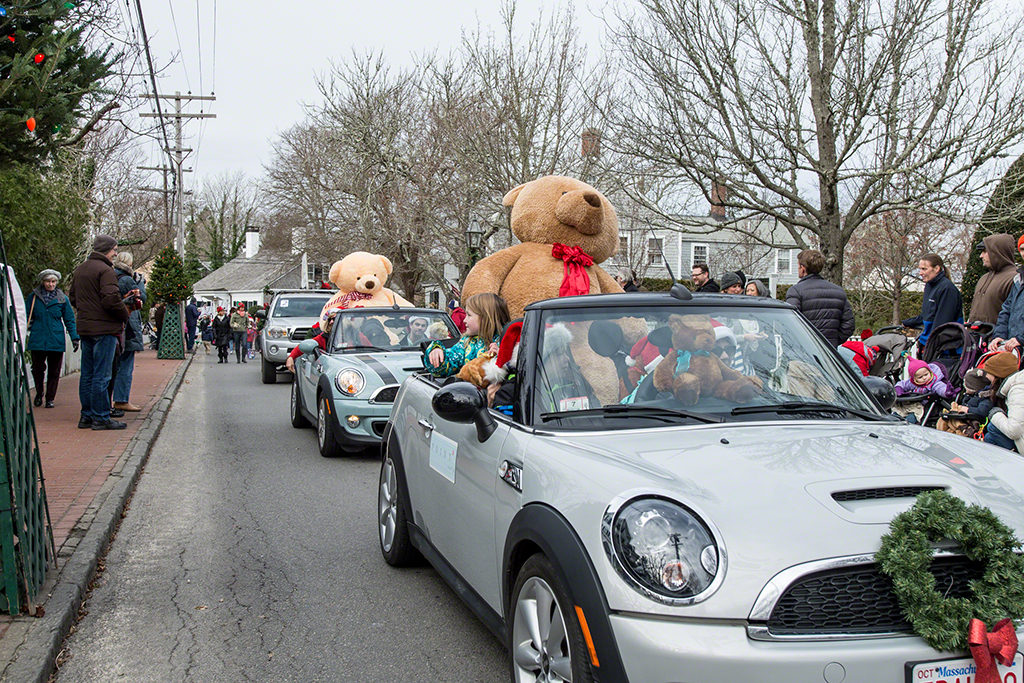 Christmas In Edgartown Teddy Bear Suite Parade Martha's Vineyard