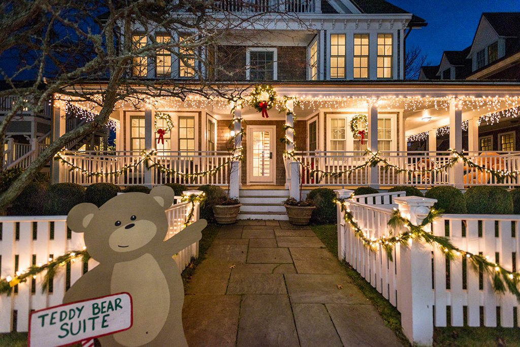 The Martha's Teddy Bear Suite Fundraiser Opens December 1, 2017 Harbor View Hotel Edgartown Check Events Calendar