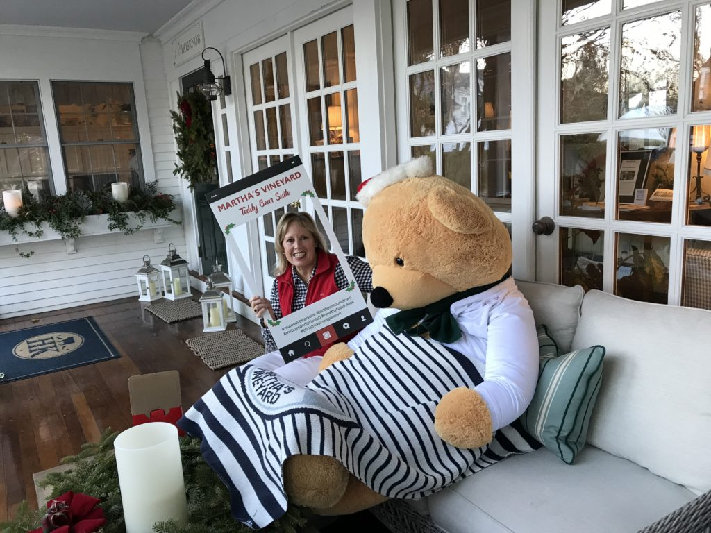 Teddies Around Town At The Hob Knob Hotel Edgartown